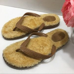 Ugg Sheepskin Fur Slippers Flip Flop Size 6W